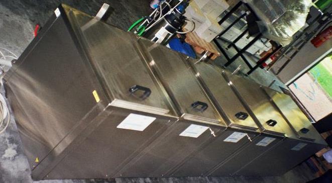 lavaggio di precisione acciaio e titanio